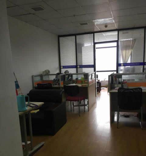 (出租) 招银大厦59㎡办公室出租!胜利广场旁边,办公好,能办公司