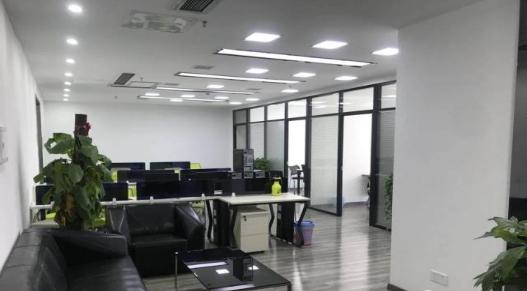 (出租) 联发广场215㎡ 地铁口 精装带家具 一个月免租期 急租