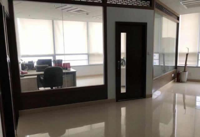 (出租) 联发广场 精装410平 带家具 仅租50 三年不增